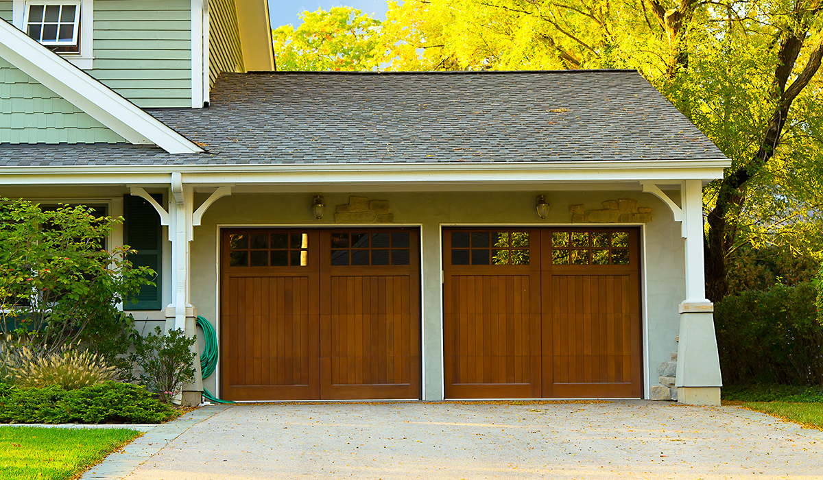 Garage Door Security Guide: 16 Helpful Tips